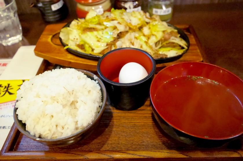 肉米の豚鉄板定食 鉄板1人前とご飯小