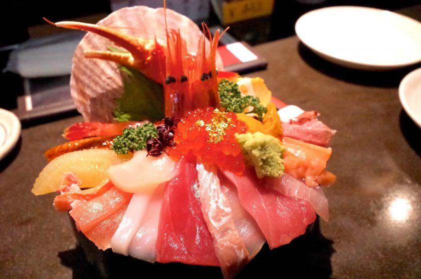 山さん寿司の海鮮丼
