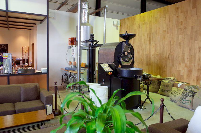 SIENA COFFEE FACTORYの店内にある焙煎機