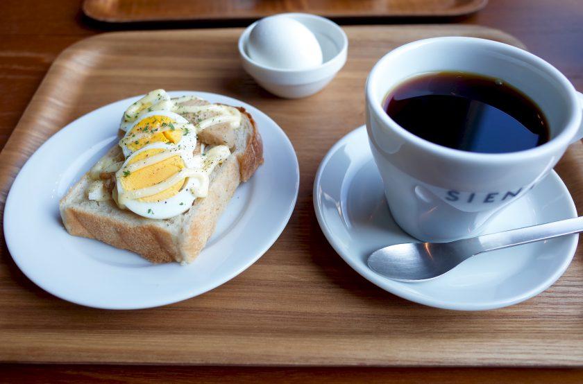 SIENA COFFEE FACTORYのモーニングセット(テリマヨチキン)
