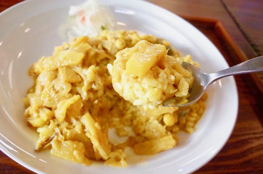 南洋の父サウスのパイナップルカレー&豆カレー