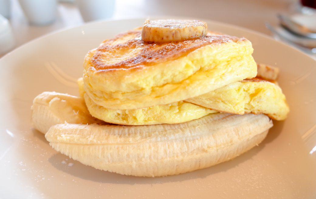 表参道billsのリコッタパンケーキとフレッシュバナナ