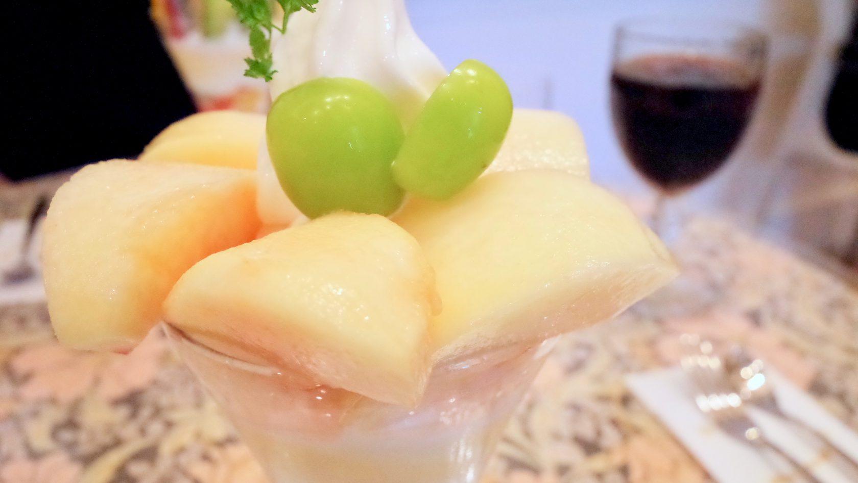 アメルベイユの桃のパフェ
