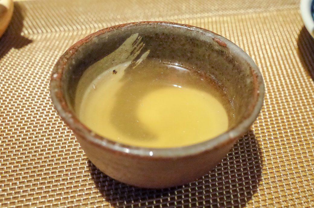 輪久の土瓶蒸しのスープ