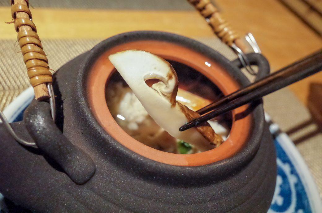 輪久の土瓶蒸しの松茸