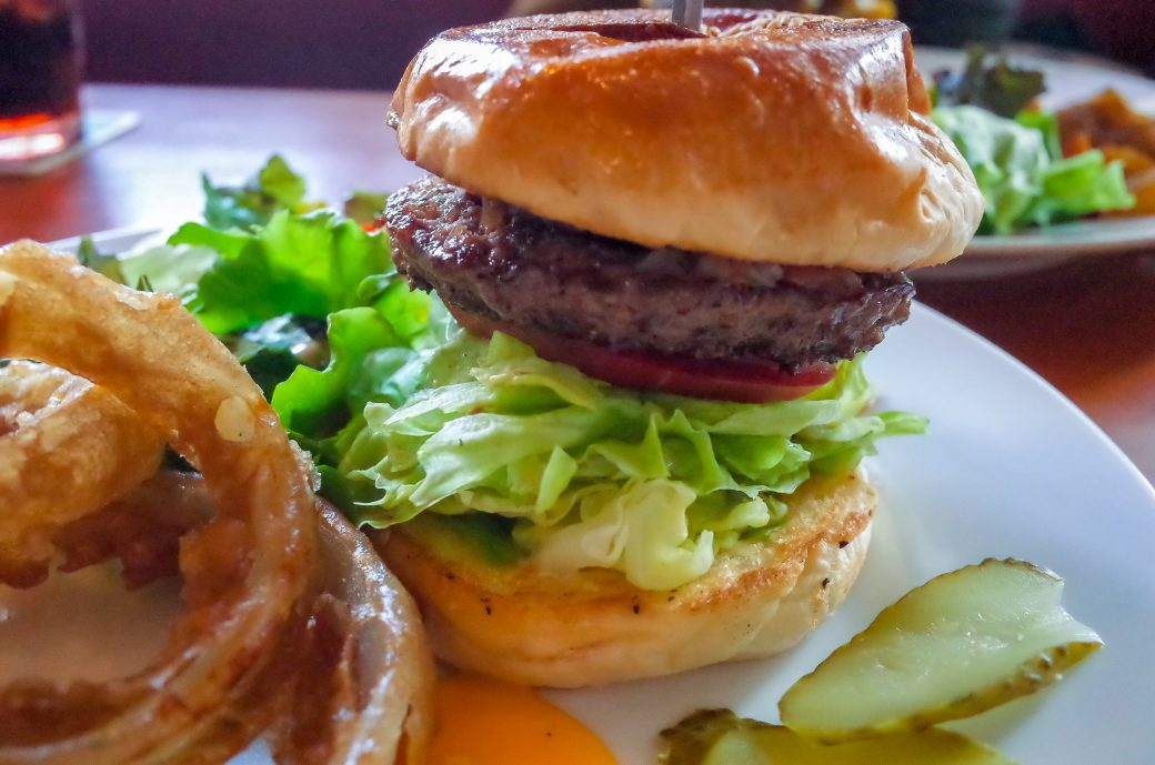 ザ・コーナーハンバーガー&サルーン ハンバーガーセット