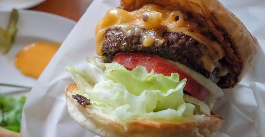 ザ・コーナーハンバーガー&サルーン マッケンチーズバーガーハンバーガーセット