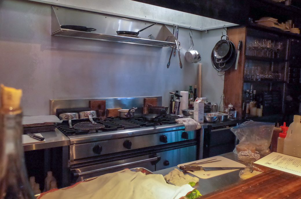 VIVA la MYWIFEの厨房の様子