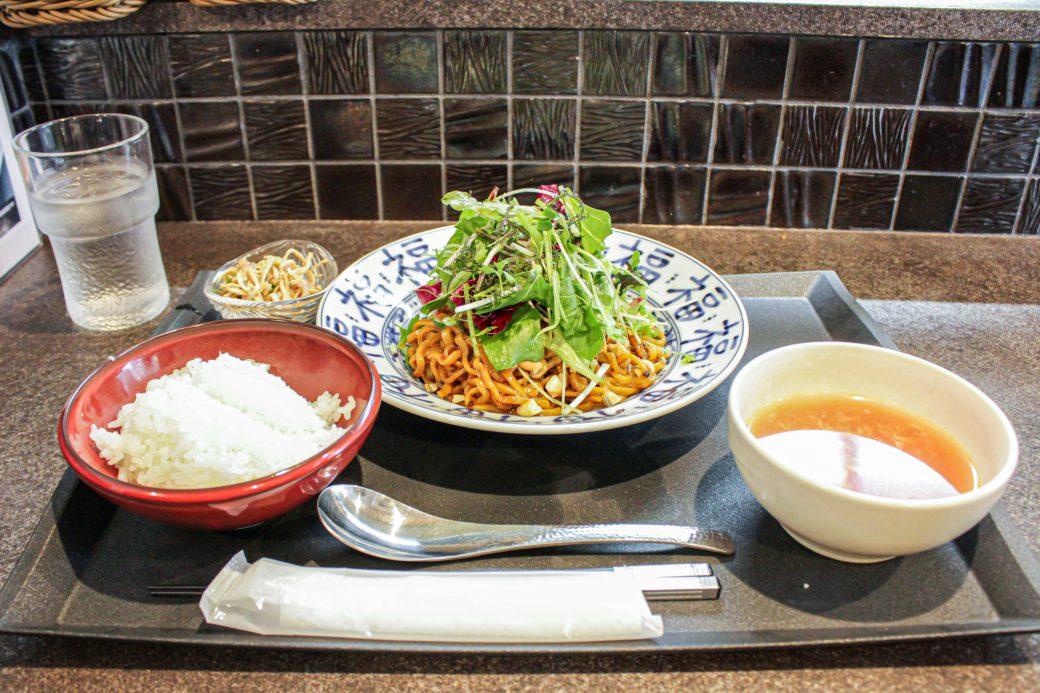 小菜一碟(シャオツァイイーデェ)の汁なし担々麺ランチセット